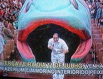 Bispo MACEDO e o peixe de Jonas. Mutcho lindjo!