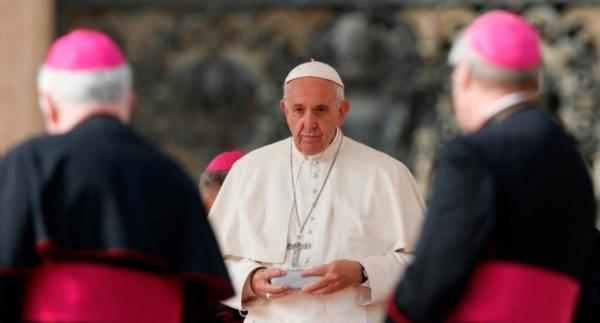 Resultado de imagem para O Papa aos bispos: não ao clericalismo; ele provoca abusos sexuais e de poder